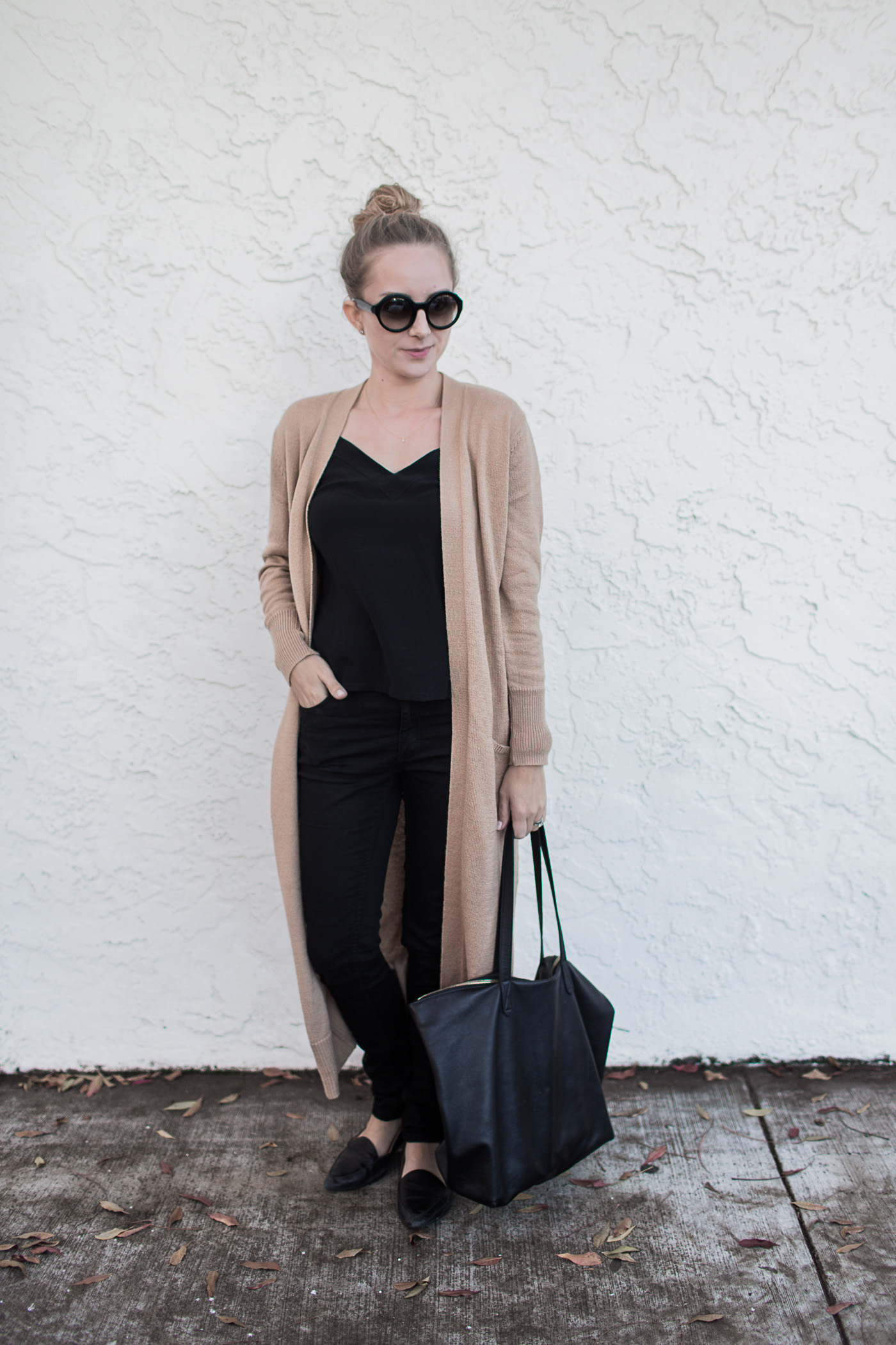 Black skinny denim in a casual outfit. 3 outfits featuring black skinny denim.